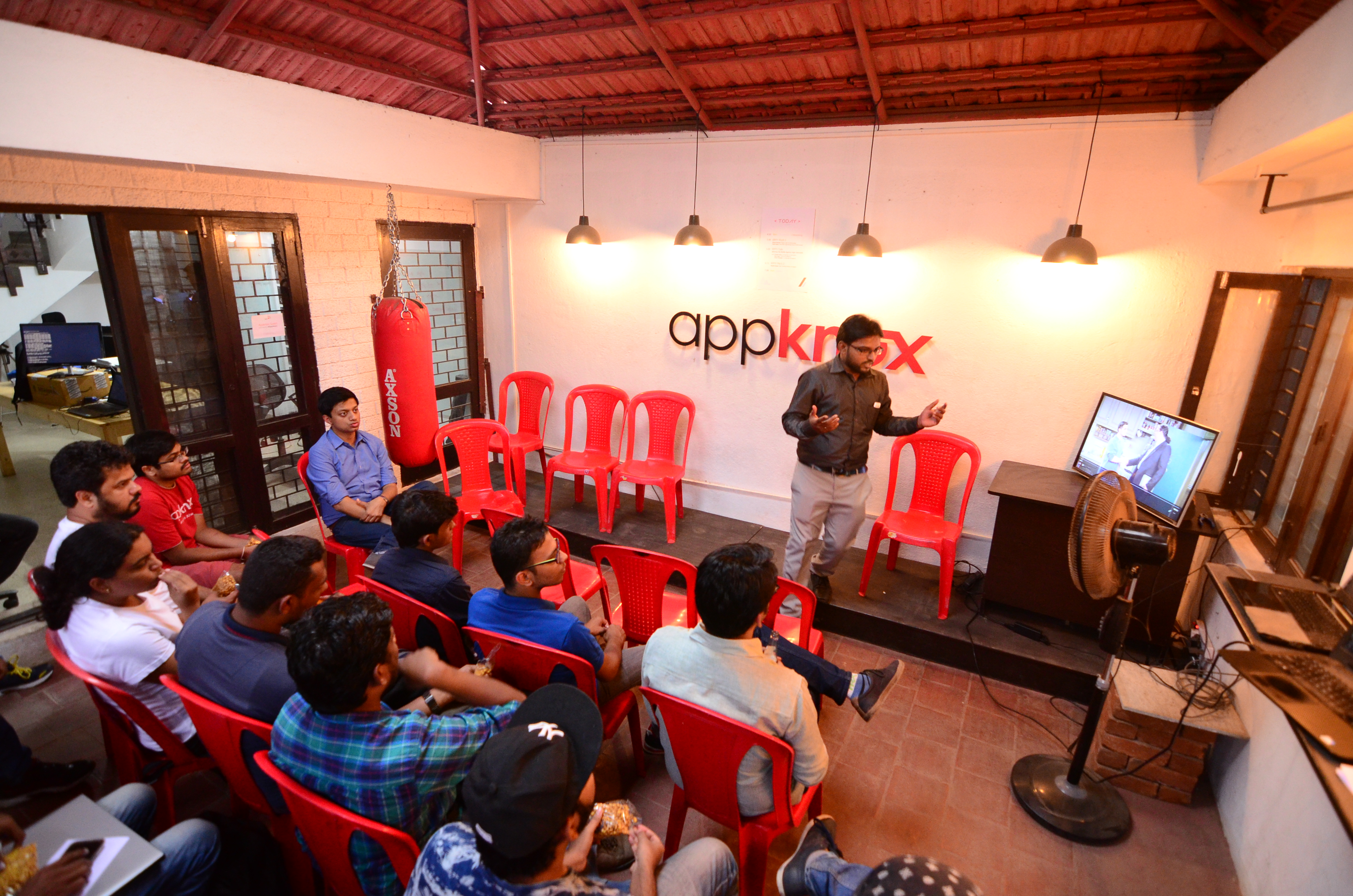 Appknox AppyHours - Knappily Pitch